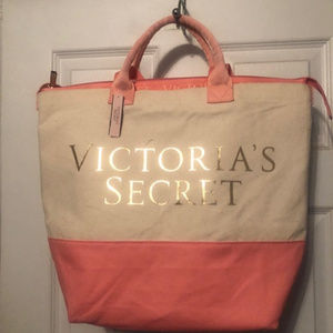 Victoria's Secret Bags - Victoria Secret Insulated Bag Brand New with tags